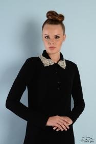Roos Siyah Yaka Detaylı Elbise