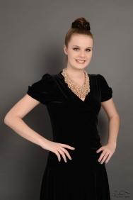 Siyah Midi Kadife Elbise