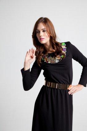 Yaka Detaylı Maksi Elbise