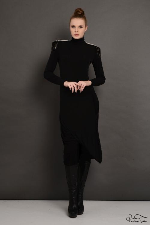 Siyah Omuz Apoletli Elbise