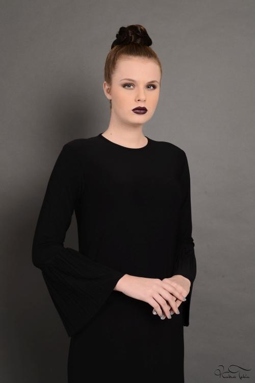 Nevena Siyah Pileli Elbise