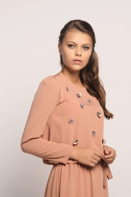 Olivia Hardal Elbise