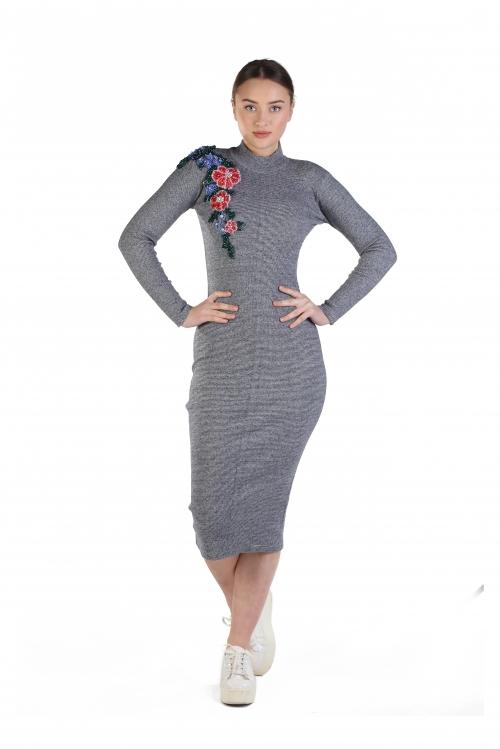 Brittni Gri İşlemeli Örme Elbise