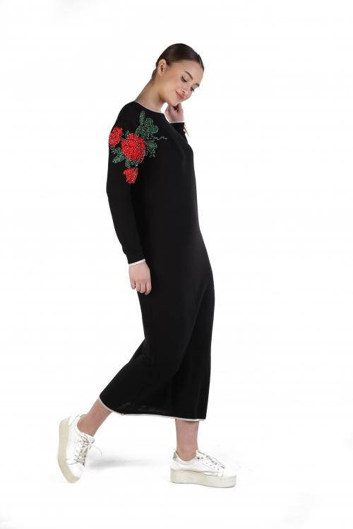 Cemre Siyah İşlemeli Triko Elbise