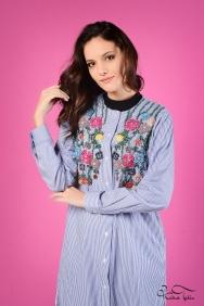 Iva Çiçek İşlemeli Mavi Gömlek