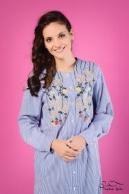 Iva Çiçek Nakışlı Mavi Gömlek