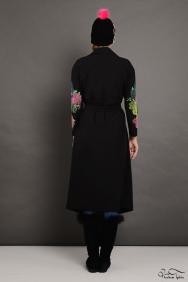 Mira İşlemeli Kol Siyah Trenchcoat