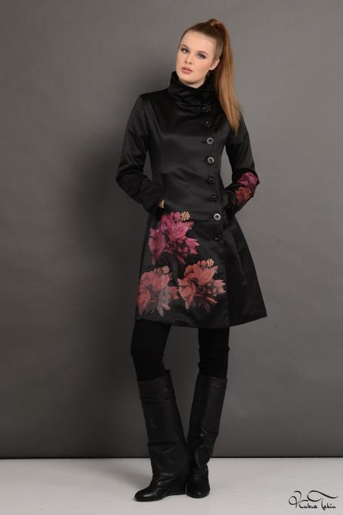Soley Siyah Rose Trenchcoat